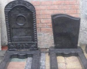 Недорогие памятники на могилу на кладбище Тюмень