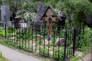 Оградки на кладбище Тюмени
